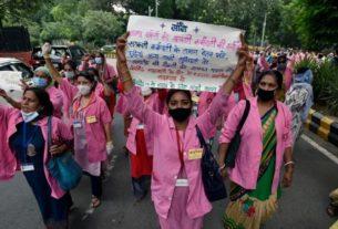 احتجاج عمال الخدمة الصحية في الهند